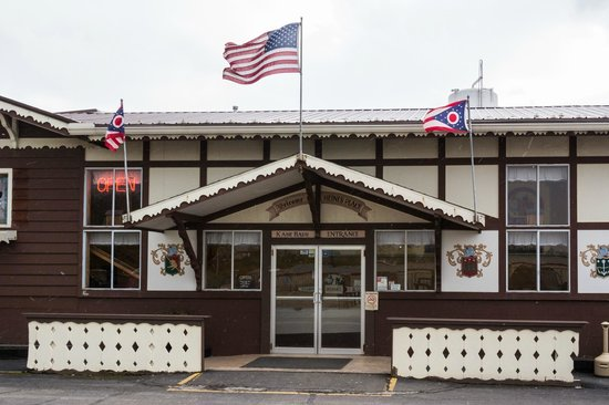 Heini's Cheese Chalet: Entrance on a Blustery Nov Day