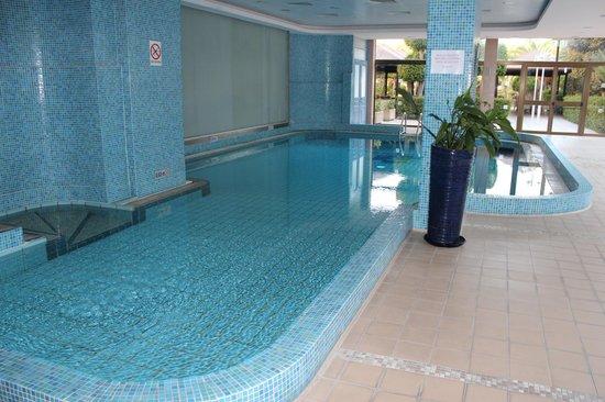 GrandResort : Бассейн рядом с фитнессом
