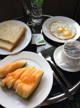 Ocean Hotel : Room service breakfast