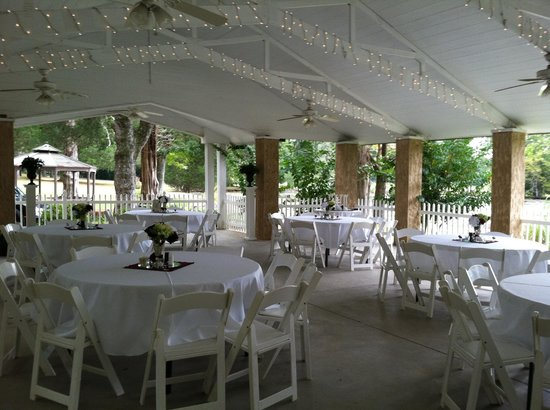 Elegant Outdoor Wedding Reception Pictures
