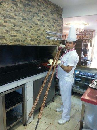 Istambul Kebab: Şef emrah acet