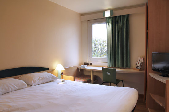 Ibis Montbeliard: CHAMBRE