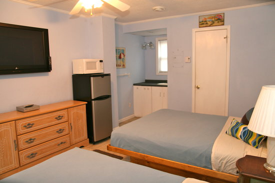 Seaside Park, NJ: Out Hotel-Style Units Sleep 4. Include Refrigerator and Microwave.
