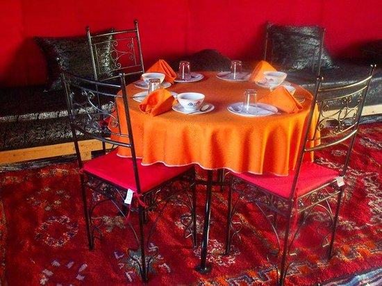 Les Cles Du Desert Luxury Bivouac : Restaurante