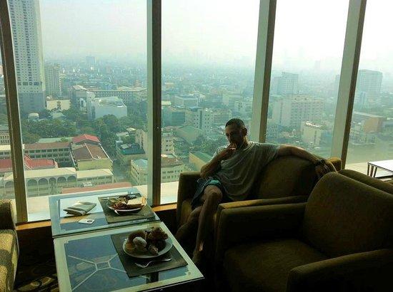 Pan Pacific Manila: high breakfast