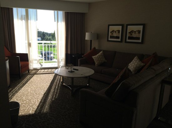 Hilton La Jolla Torrey Pines: Living room