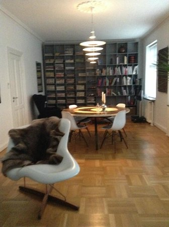 Bed & Breakfast The Old Chestnut Tree Silkeborg : Private dining room for guests only