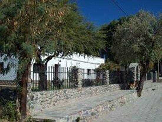 Hosteria Cachi Pueblo Hermoso: Frente de la Hosteria