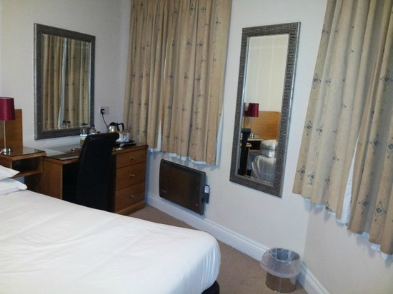 Terrace Lodge Hotel Yeovil: Bedroom