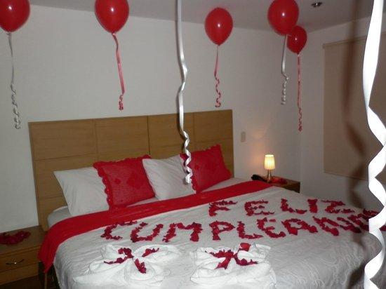 Noche romantica picture of hotel cosmopolitan bogota for Decoracion de habitacion para una noche romantica