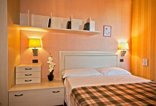 Hotel Antica Badia: camera matrimoniale
