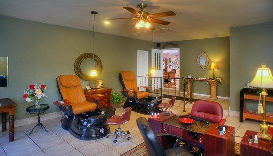 Inn on Barons Creek: Spa Manicure/Pedicure