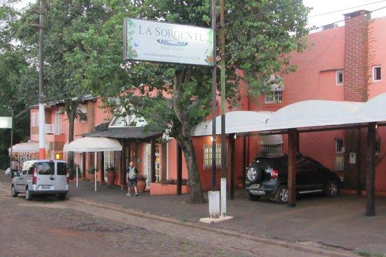 La Sorgente Hotel Posada : outside hotel