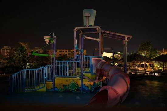 Sindbad Aqua Hotel & Spa : Вид из номера на спящий аква-парк (детская площадка)