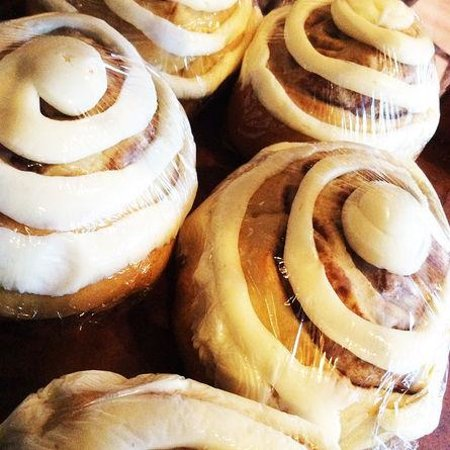 Sticky Fingers Cafe and Bakery : Cinnamon rolls, home-made with love.