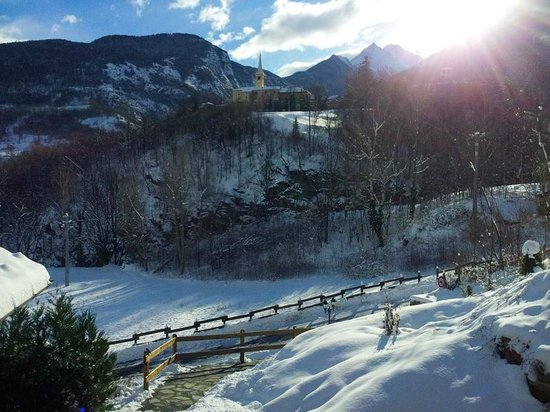 Le Renard d'Introd: Vista borgo d'inverno