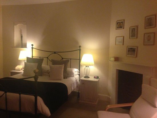 Bodkin House Hotel: Beautiful bedroom