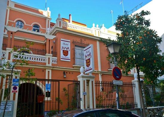 Hostal San Vicente II : Fachada