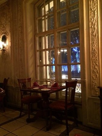 Café Pushkin : Sitting by the window