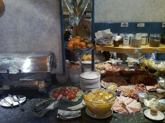 Imperial Hotel: Frühstücksbuffet