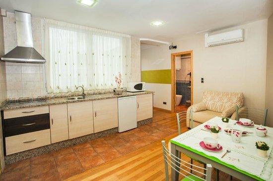 HOTEL PUERTA DEL SOL: apartamento dos habitaciones