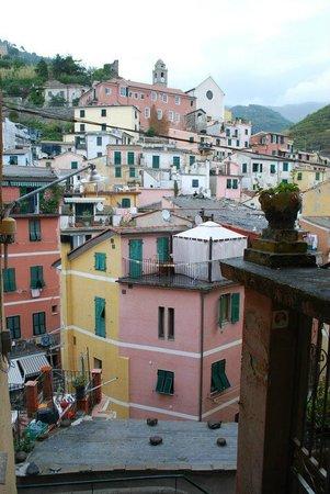 Hotel Gianni Franzi: Cinque Terre from above