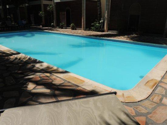 Le Palmiste Resort & Spa : the pool near the reception