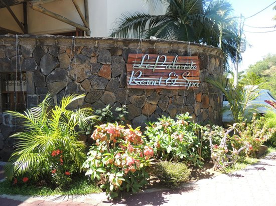 Le Palmiste Resort & Spa : at the door