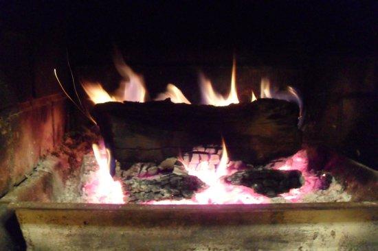 Auberge le Cerf: bien se restaurer au près du feu