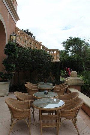 JW Marriott Orlando, Grande Lakes: Balcony from the lounge