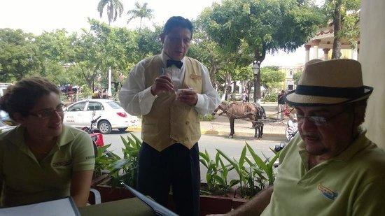 Hacienda Puerta Del Cielo Eco Spa: Don Juan taking us on the Grenada tour