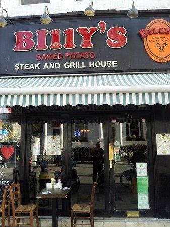 Billy's Baked Potato Steak & Grillhouse : Não se deixe enganar pela aparência simples. Lá dentro é muito bom!!!