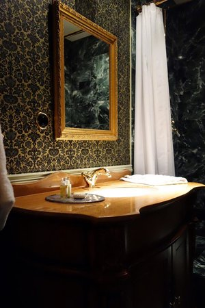 Hotel Pigalle: Sink