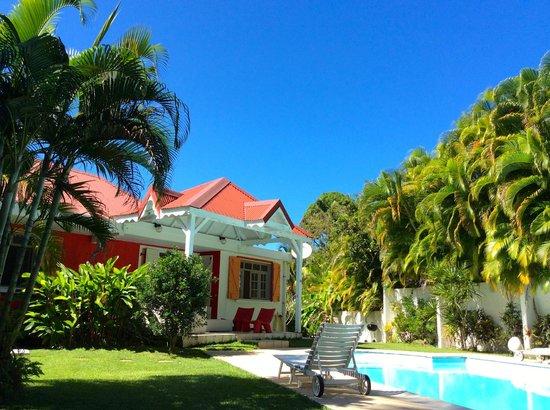 Gîtes Mangoplaya : Jardin, piscine Mangoplaya