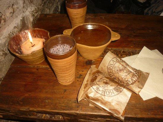 III Draakon: Lingonberry juice, elk soup and yummy pies