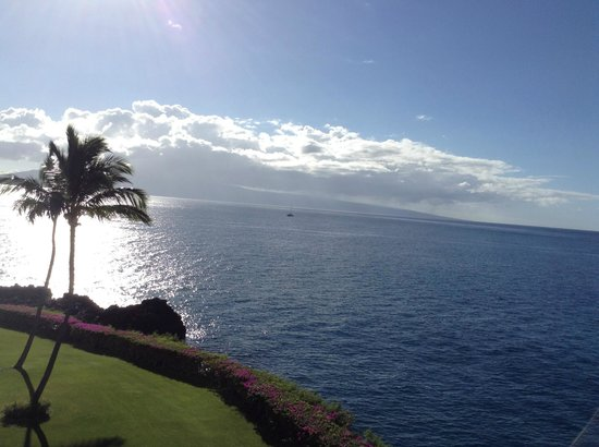 Sheraton Maui Resort & Spa: View from building 6, 5th floor Ocean view delux room