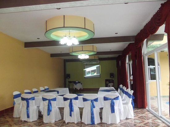 Ribiera del Lago Petén Itza: Salon de Eventos