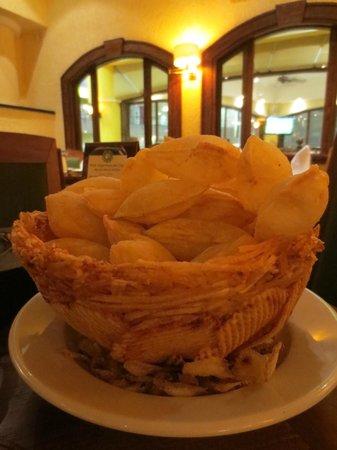 Cambalache: Souffle Potatoes --> yummy!