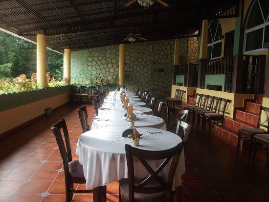 Ribiera del Lago Petén Itza: Area de Restaurante