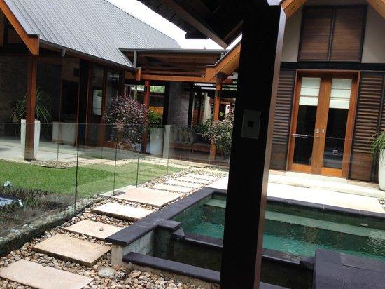 Niramaya Villas and Spa: villa courtyard