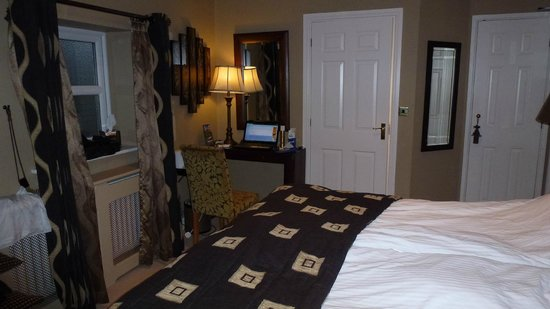 Wall Hill Farm Guest House: African Room