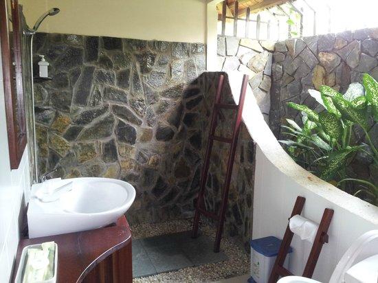 Thanh Kieu Beach Resort: salle de bains