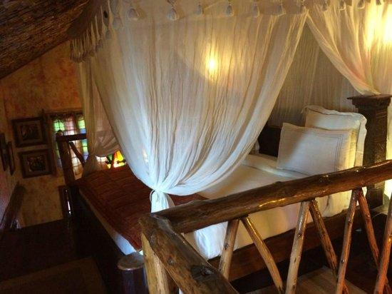 Jafferji House & Spa : Upstairs loft main bed.