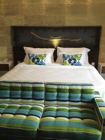 TS Suites Leisure Seminyak Bali: Bed