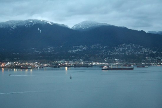 Fairmont Pacific Rim: View from Room