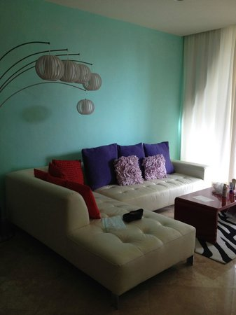 Ixchel Beach Hotel: Living room