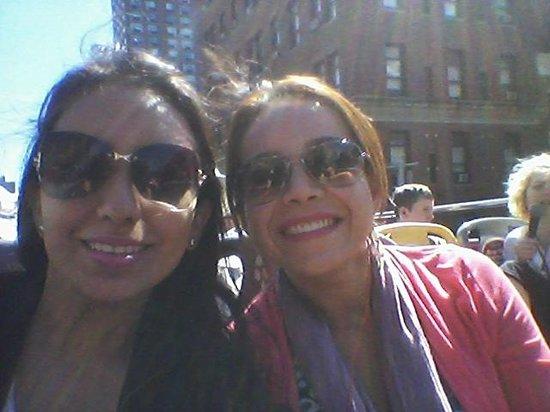 City Sightseeing New York Hop On - Hop Off : Tomada en el bus rojo