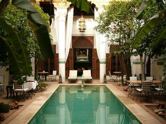 Riad Slitine : Aufenthaltsraum mit Garten & Pool