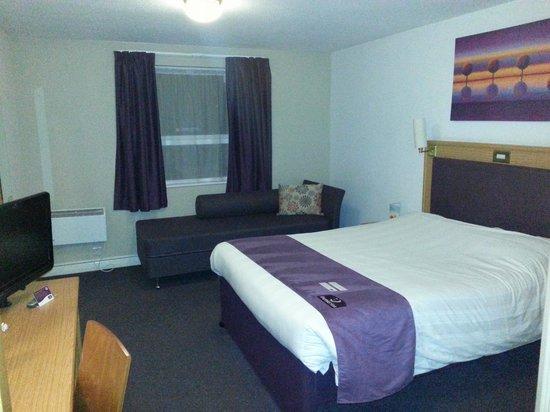 Premier Inn Liverpool (West Derby) Hotel: Room