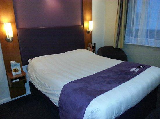 Premier Inn Caernarfon Hotel: Room